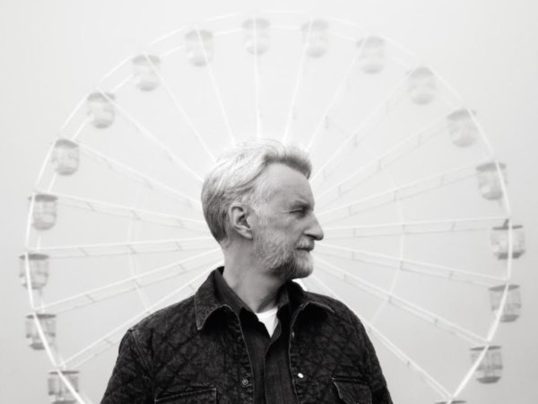 Billy Bragg – The Million Things That Never Happened
